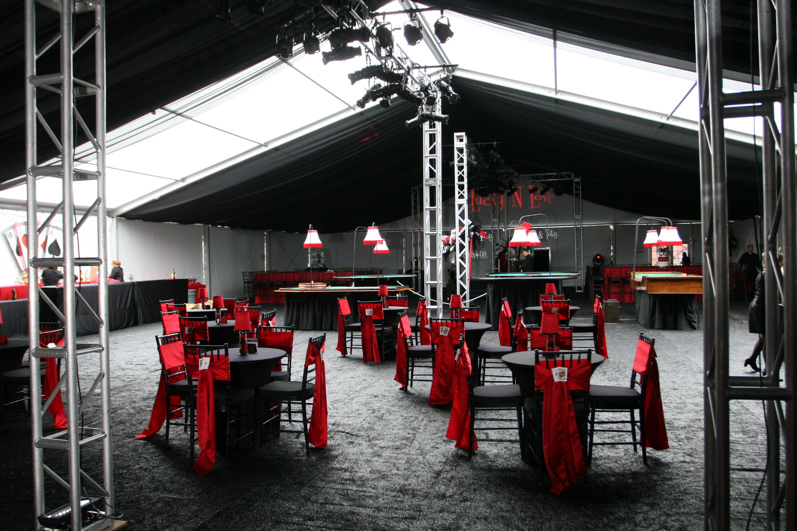 Tent_Red_Black
